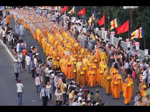 Tin nhanh Phật Đản: Lễ Mộc dục và rước Phật từ lễ đài Diệu Đế đến Từ Đàm