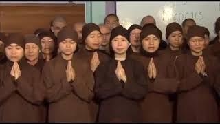 Tăng thân Làng Mai tụng: Namo Avalokiteshvara