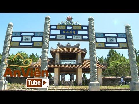 Huế - Bóng Phật chốn kinh kỳ: Bên dòng sông Hương