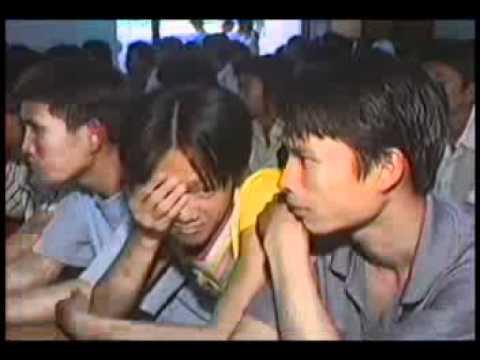 Chuyển Hóa Để Sống An Vui (04/03/2006) video do Thích Nhật Từ giảng