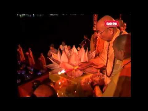Sông Hương Lộng Lẫy Trong Đêm Hội Hoa Đăng
