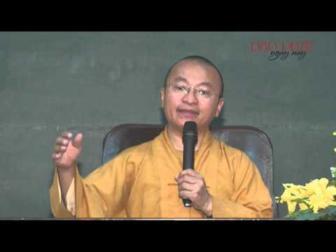 Vấn đáp: Vì sao người xuất gia không được ngồi ăn chung với Phật tử