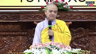 Ni Sư Hương Nhũ thuyết giảng trong khóa tu Thiền Tứ Niệm Xứ tại Chùa Giác Ngộ