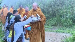 Phật Xưa khất Thực_Thích Minh Thành