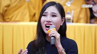 Ca sĩ Hải Ngân hát trong lễ Vu Lan tại chùa Giác Ngộ 24-08-2018