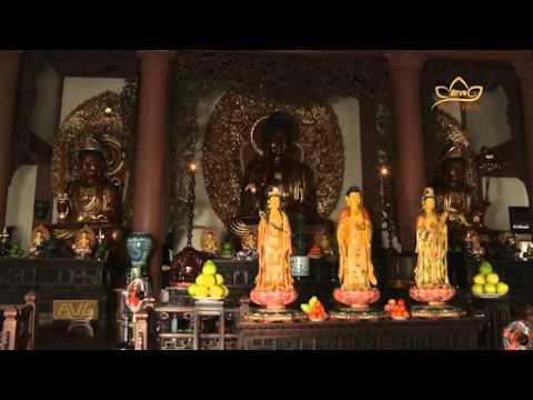Khấn vái và cầu xin nhiều điều khi đi chùa đúng hay sai?