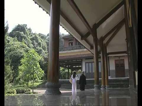 Sắc xuân xứ Huế - Thiền viện Trúc Lâm Bạch Mã