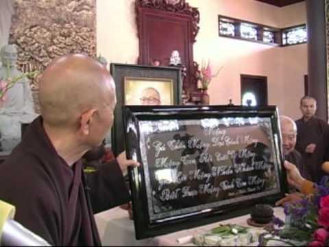 Hòa Thượng Thích Nhất Hạnh viến thăm Trúc Lâm Phụng Hoàng