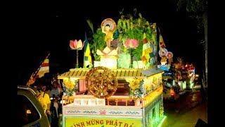 Lung linh lễ diễu hành xe hoa Phật đản