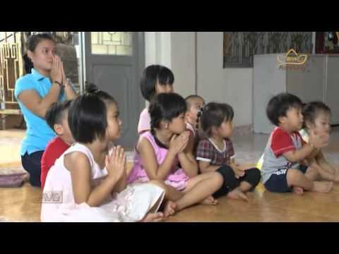 Mang trẻ con đến Chùa để cầu Phúc đúng hay sai?