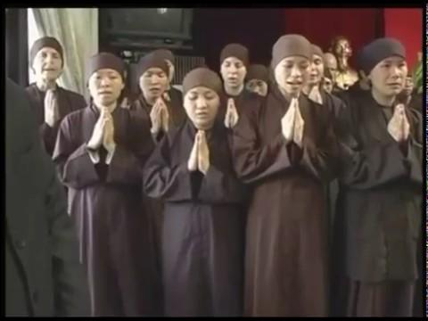 Sự kết hợp kỳ diệu giữa thờ cúng tổ tiên với tuệ giác của đạo Bụt - 1